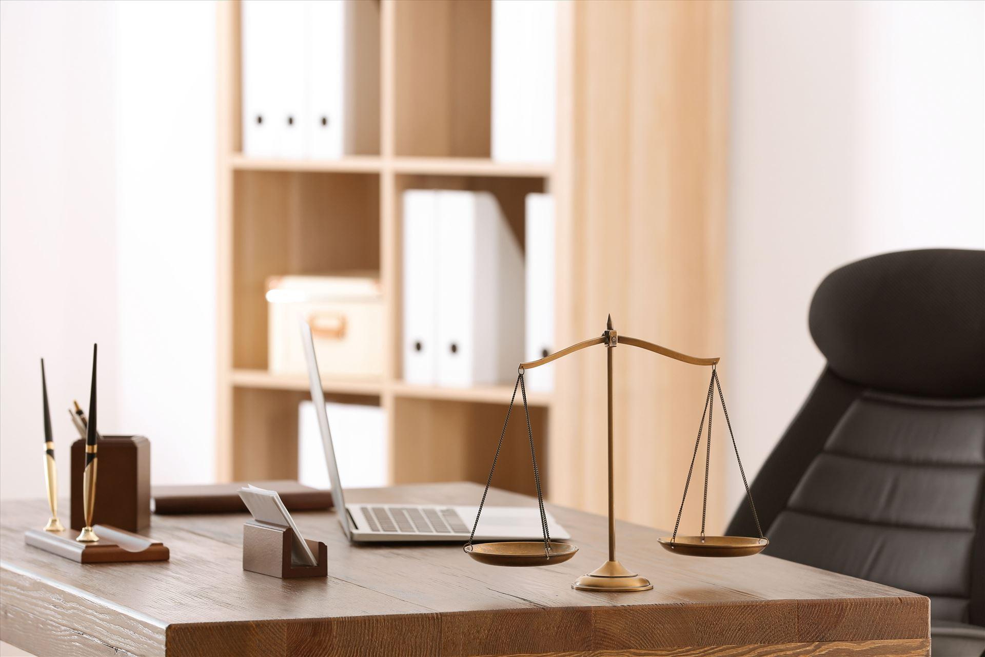 משרד עורכי דין בתל אביב של עורכת הדין אסתי עוקב